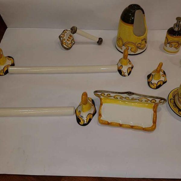 Ceramiche Di Vietri Bagno.Arredo Bagno Completo In Ceramica Le Fantasie Di Vietri