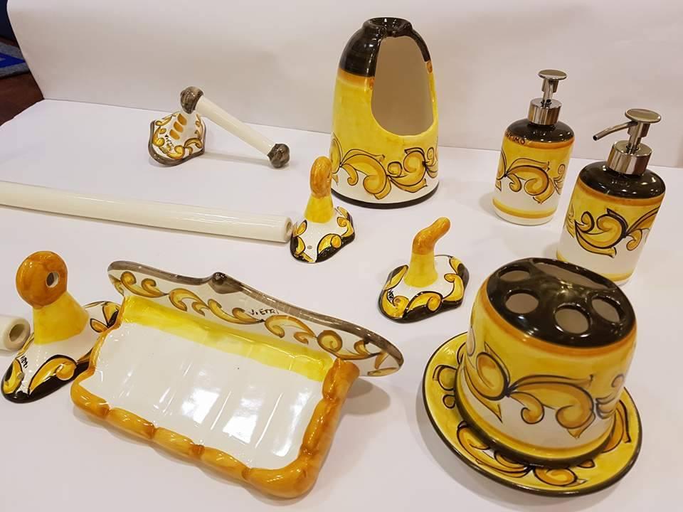 Ceramiche Di Vietri Arredo Bagno.Arredo Bagno Completo In Ceramica Le Fantasie Di Vietri