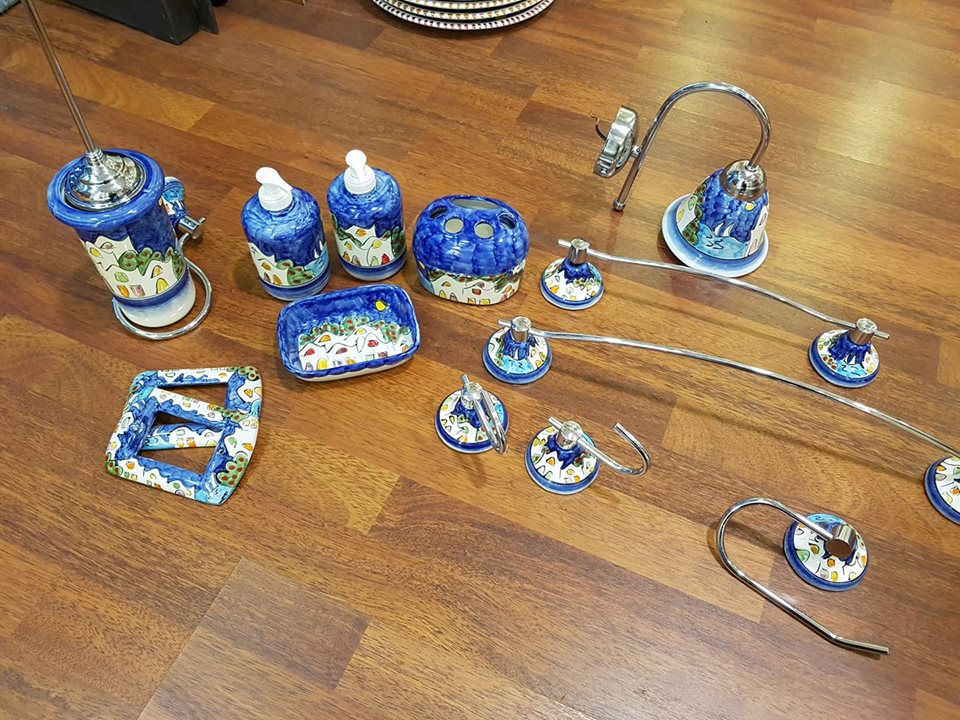 Arredo Bagno In Ceramica.Arredo Bagno Ceramica E Acciaio 001 Le Fantasie Di Vietri